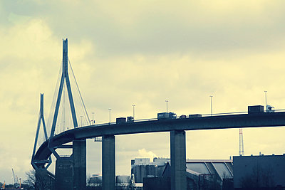 Köhlbrand Bridge Hamburg - p851m1573521 by Lohfink