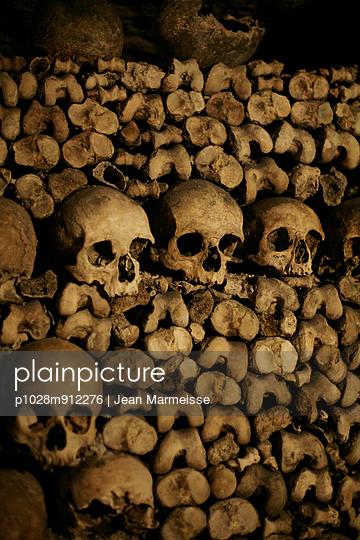 Totenköpfe - p1028m912276 von Jean Marmeisse