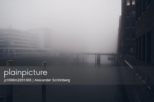 Hamburg in the morning - p1696m2291365 by Alexander Schönberg