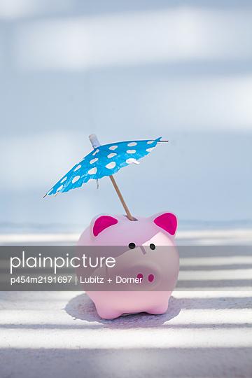 Holiday savings - p454m2191697 by Lubitz + Dorner