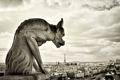 Overlooking Paris - p416m990896 by Jörg Dickmann