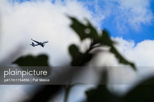 Landeanflug - p417m1154856 von Pat Meise