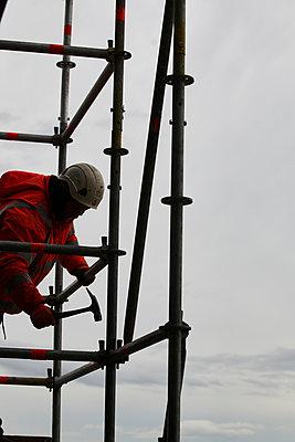 Scaffold builder - p133m1044520 by Martin Sigmund
