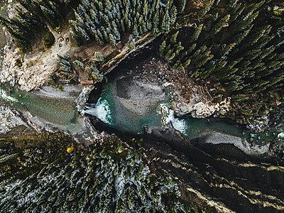 Doppelter Wasserfall in Kanada - p1455m2203758 von Ingmar Wein