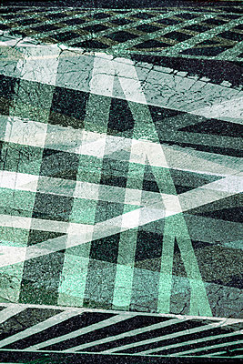 Überlagerung Gehweg - p415m853928 von Tanja Luther