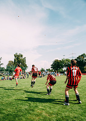 Amateur football - p1085m2007822 by David Carreno Hansen