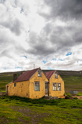 Abandoned old house - p470m1043040 by Ingrid Michel