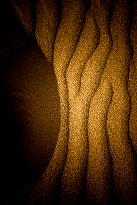 Ripples in sand - p248m1020078 by BY