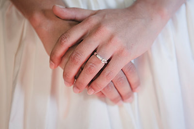Close-up of ring of the bride - p1150m1514926 by Elise Ortiou Campion