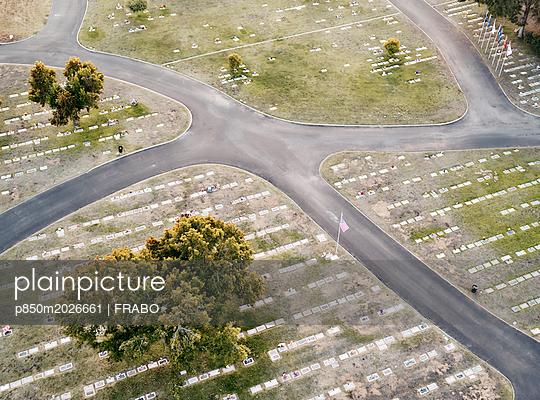 Friedhof - p850m2026661 von FRABO