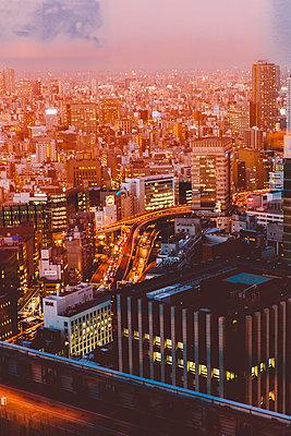 Tokio bei Nacht - p432m2116057 von mia takahara