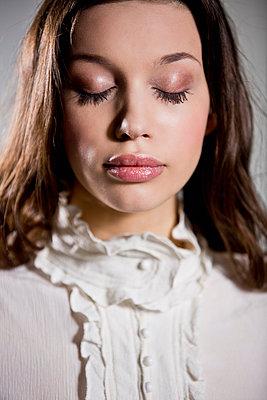 Beauty - p814m777744 von Renate Forster