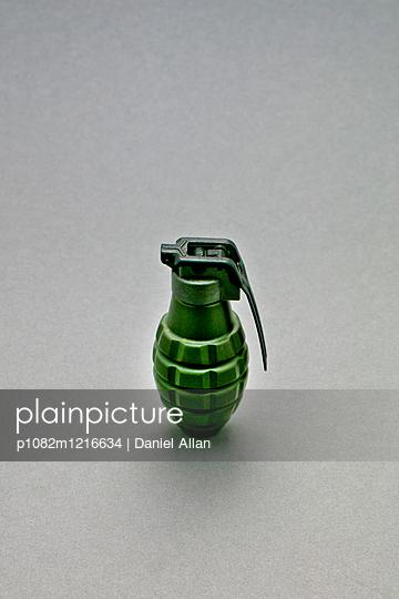 Handgranate - p1082m1216634 von Daniel Allan