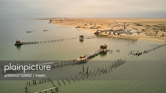 Aerial view of Tigres Island, weathered boardwalks, former whaling, Angola - p300m2132652 by Veam