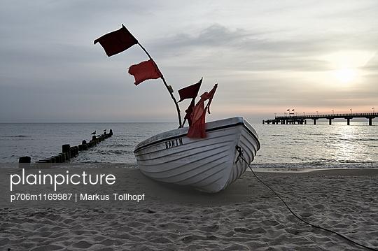p706m1169987 by Markus Tollhopf