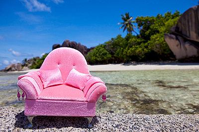 Pink armchair - p0452484 by Jasmin Sander