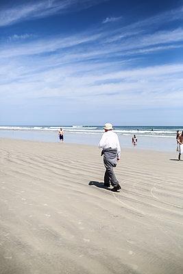 USA, Florida, Touristen am Strand - p1643m2229354 von janice mersiovsky