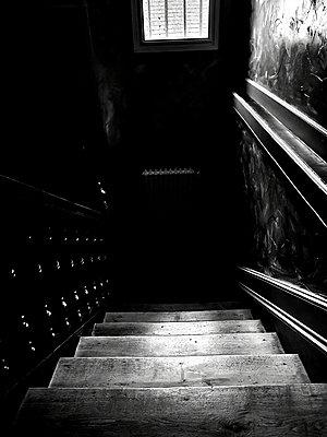 Dark stairwell - p945m2215106 by aurelia frey
