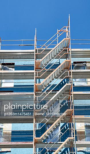 p1203m1475451 by Bernd Schumacher