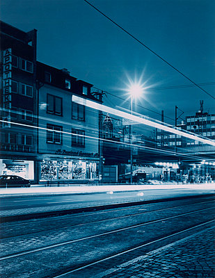Frankfurt, Messeturm, blau - p2683032 von Stefan Freund