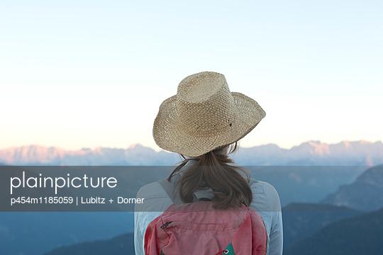 Beautiful! - p454m1185059 by Lubitz + Dorner