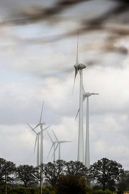 Windpark - p739m900763 von Baertels
