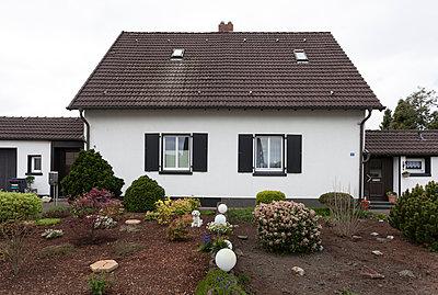 """Haus in der Arbeitersiedlung """"Dahlhauser Heide"""" in Bochum - p105m1025458 von André Schuster"""