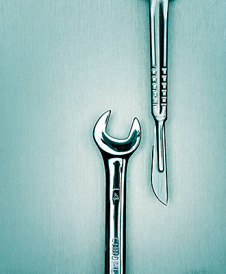 Surgical instruments  - p3940212 by Stephen Webster