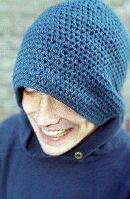 Typ mit Mütze - p4470014 von Anja Lubitz