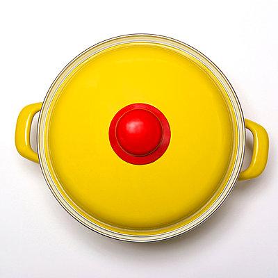 Yellow cooking pot - p813m908600 by B.Jaubert