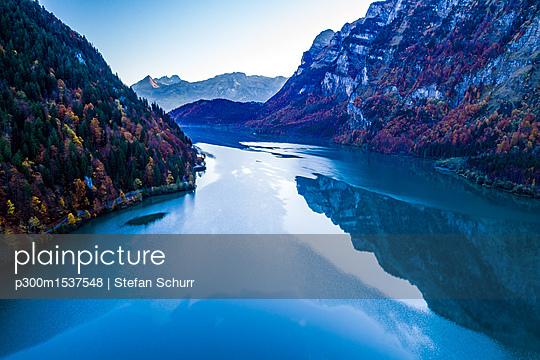 Switzerland, Canton of Glarus, Kloen Valley, Aerial view of Lake Kloentalersee - p300m1537548 by Stefan Schurr