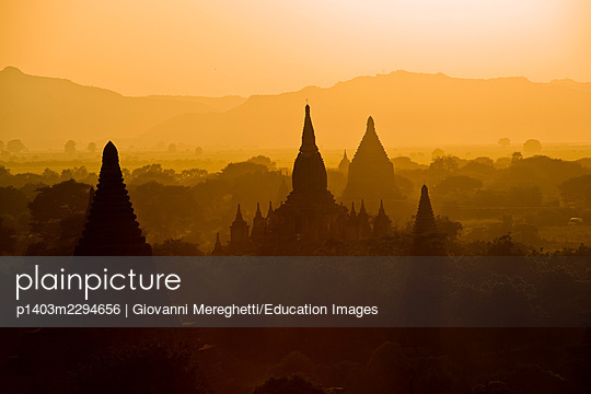 Bagan. Myanmar - p1403m2294656 by Giovanni Mereghetti/Education Images