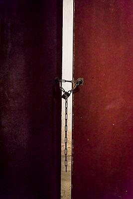 Old padlock on door - p1170m1444297 by Bjanka Kadic