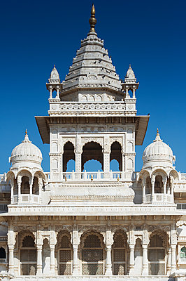 Jaswant Thada tower - p1259m1111469 by J.-P. Westermann