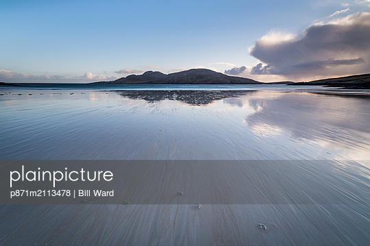Bagh a Deas (South Beach), with the uninhabited island of Sandray in the distance, Vatersay, Outer Hebrides, Scotland, United Kingdom - p871m2113478 by Bill Ward