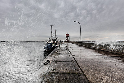 Sassnitz, harbour with stormy weather - p710m2181837 by JH