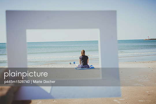 Frame in the frame - p445m1528740 by Marie Docher
