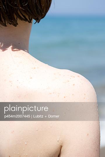 Pale skin - p454m2007445 by Lubitz + Dorner