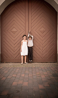 Kids - p1230m1042636 by tommenz