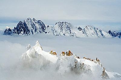 Europe, France, French Alps, Haute-Savoie, Chamonix, view of Aiguilles du Dru from Aiguille du Midi - p652m769326 by Christian Kober