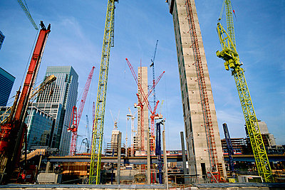 Cranes on Canary Wharf site - p92410886f by Image Source