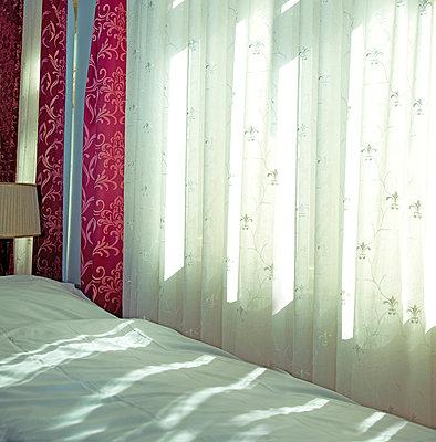 Bett - p230m889857 von Peter Franck