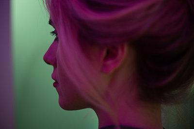 Pretty young woman - p1321m2181594 by Gordon Spooner