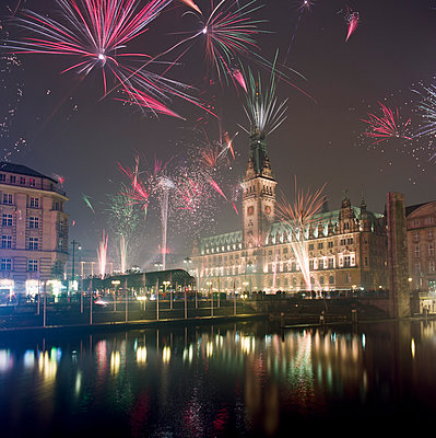 Fireworks display at New Year - p324m1194598 by Alexander Sommer