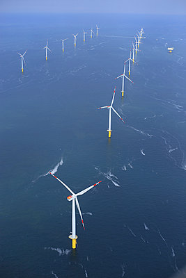 Offshore wind farm 'Riffgat' - p1016m907551 by Jochen Knobloch