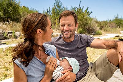 Familie mit Baby - p1355m1574043 von Tomasrodriguez
