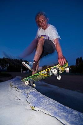Skateboard fahren - p2200805 von Kai Jabs