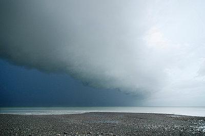 Clouds - p1137m987264 by Yann Grancher