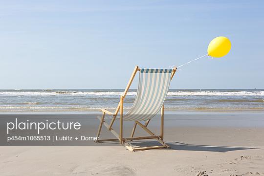 Windig und sonnig - p454m1065513 von Lubitz + Dorner