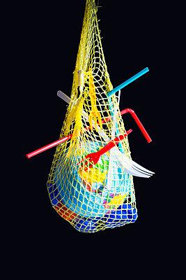 Globe in plastic waste - p1149m2092444 by Yvonne Röder